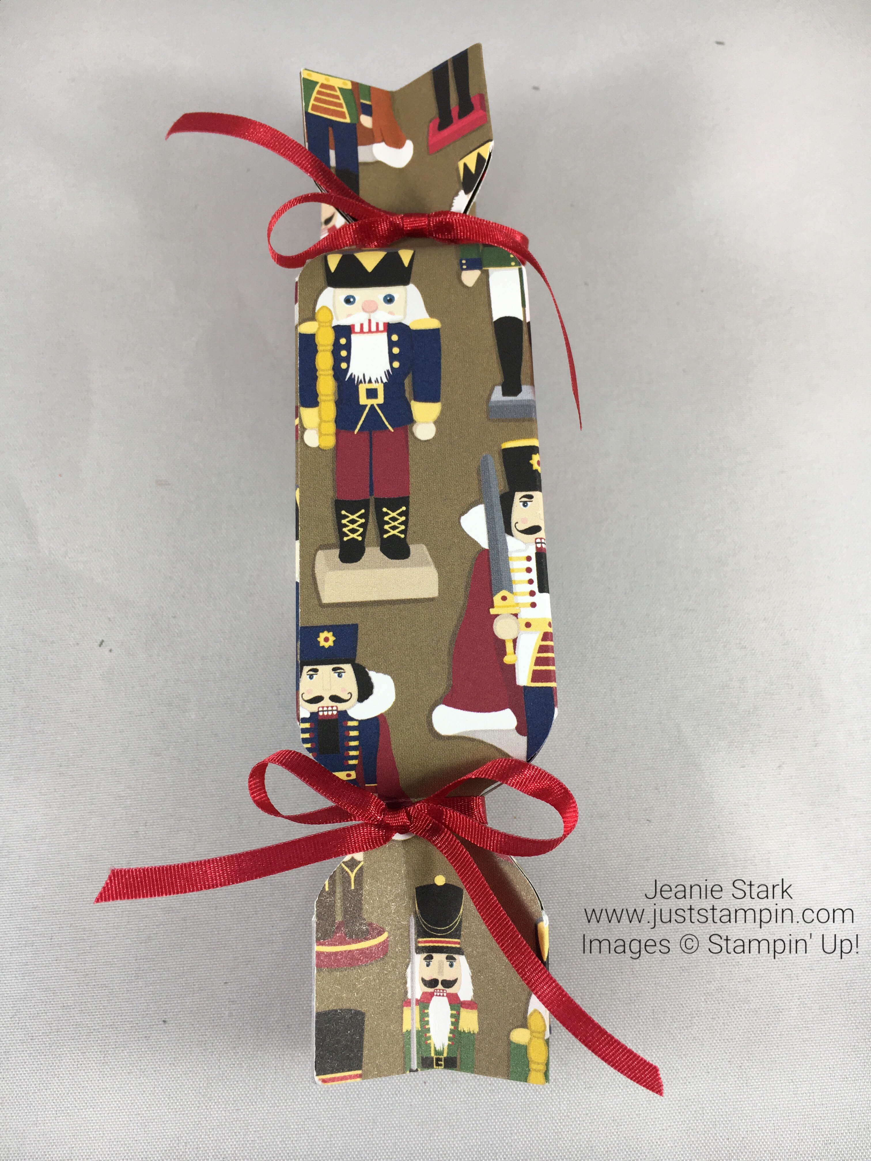 Stampin Up Christmas Around the World cracker box made with the Envelope Punch Board - Jeanie Stark StampinUp